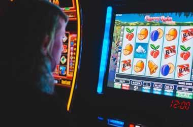 Macau Regulator Wants All Slot Machines To Feature Flashing Clock By 2024